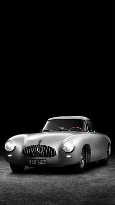 Mercedes-Benz SL Oldtimer - just me gentleman it will catch more attention than any new car.