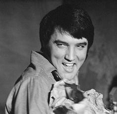 {*Elvis is such a Honey :) & the best smile in the World & Everything Else you just can't fault him in anyway,Just Perfect*}