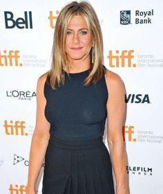 Jennifer Aniston zieht beim Toronto Filmfestival alle Blicke auf sich  @bild