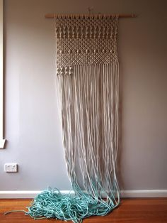 Ouch Flower: Knots & Hairpins - Macrame Wall Hanging