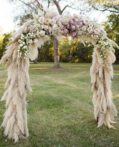 21 Unique Ways to Include Pampas Grass in Your Wedding Decor pampas grass and protea wedding ceremony arch - Boho Wedding Protea Wedding, Boho Wedding, Wedding Bouquets, Wedding Flowers, Dream Wedding, Wedding Day, Trendy Wedding, Wedding Bridesmaids, Wedding Shoes
