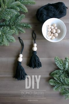 DIY boho christmas ornaments - DIY Weihnachten,DIY boho christmas ornaments As I was putting up my Christmas tree this year I felt like it needed some type of black ornament to balance out all of t. Bohemian Christmas, Noel Christmas, Diy Christmas Ornaments, Christmas 2019, Black Christmas Decorations, Diy Christmas Tree Decorations, Bead Garland Christmas Tree, Natural Christmas Tree, Scandinavian Christmas Decorations