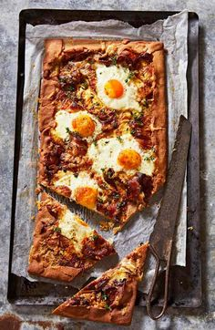 Bacon & Eggs never tasted better than this crowd-pleasing and gluten-free Bacon & Egg Galette Recipe. Egg And Bacon Pie, Bacon Egg, Light Recipes, Egg Recipes, Savoury Recipes, Free Recipes, Bacon Crack, Gluten Free Pastry, Galette Recipe