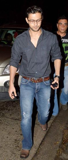 Vatsal Seth at Sachin Joshi's birthday bash. #Bollywood #Fashion #Style Bollywood Celebrities, Bollywood Fashion, How To Be Likeable, Birthday Bash, Actors & Actresses, Men Casual, Hero, Indian, Boys