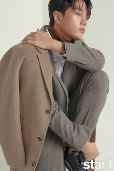 Asian Actors, Korean Actors, Kim Myungsoo, L Infinite, Music Aesthetic, Lee Sung, Kdrama Actors, Korean Music, Celebs