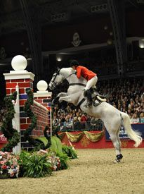 All the thrills of the high wall. Front row seats at Olympia for the Puissance.