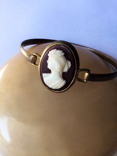 1920 gold tone cameo bracelet, vintage jewels, antique bracelet di Quieora su…