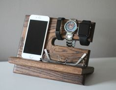 Night Stand Oak Wood Valet iPhone Galaxy von PaybacksABeach auf Etsy