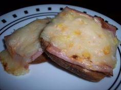 These are great little appetizers and so easy to make. Prepare in advance and pop in the oven just before serving. Irish Appetizers, Crab Appetizer, Mini Appetizers, Appetizer Salads, Appetizer Recipes, Mini Foods, Beef Dishes, Food And Drink, Easy Meals