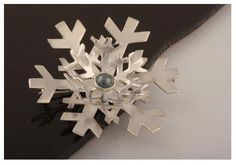 Snowflakes, Brooch // Hiutaleet - korusarja, rintaneula
