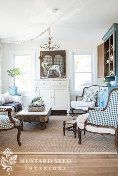 DIY Beautiful Vintage Inspired Living Room Makeover