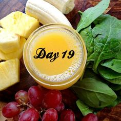 citrus crush Serves 2 2 cups spinach, fresh 1 cup orange juice 1 cup water 1 cup pineapple 1 banana 1 cup grapes Blend greens and liquids first then add remaining ingredients. Make sure to add one frozen fruit to make your smoothie creamy and cold.