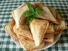 Havajské tousty Snack Recipes, Tacos, Toast, Chips, Ethnic Recipes, Drinks, Food, Drinking, Appetizer Recipes