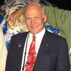 Buzz Aldrin Explains Past Statements Regarding UFOs, Talks Exploring Mars Famous Freemasons, Masonic Order, Jobs Daughters, Apollo 11 Mission, Masonic Lodge, Buzz Aldrin, Eastern Star, America And Canada, World Images
