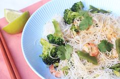 Rijstnoedels met snijbonen en broccoli