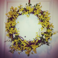 Large Wreath - Yellow forthysia with a hint of White..would work for front porch