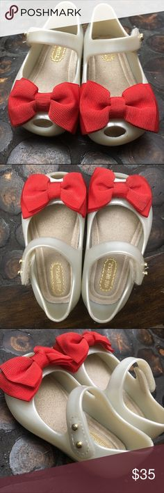Size 5 Mini Melissa Mini Ultragirl Sweet Flats Lightly used, still scented ADORABLE Red/Pearl Mini Melissa's. By far my favorite shoe for baby girl. Mini Melissa Shoes Flats & Loafers