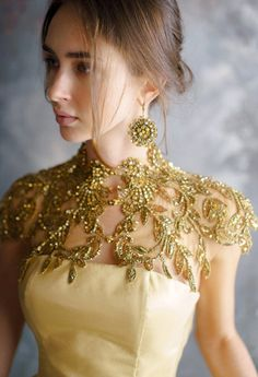 Wedding collar//gold collar//handmade collar//lace collar//collar with high quality crystals//Ladies collar// collar Wedding Dress Collar, Elegant Wedding Dress, Collar Dress, Elegant Dresses, Beautiful Dresses, Wedding Dresses, Looks Party, Gold Collar, Lace Collar