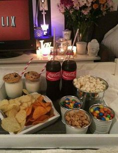 Pin- voguesmoothie movie night snacks, sleepover snacks, movie nights, home date night Fun Sleepover Ideas, Sleepover Food, Girl Sleepover, Girls Slumber Parties, Sleep Over Party Ideas, Slumber Party Snacks, Party Ideas For Teenagers, Birthday Snacks, Sleepover Birthday Parties