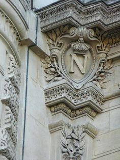 Emblem Napoléon III Louvre, Paris N has been added, easy to spot Neoclassical Architecture, Art And Architecture, Architecture Details, Victorian Architecture, Louvre Palace, Louvre Paris, Napoleon, Fachada Colonial, Renaissance