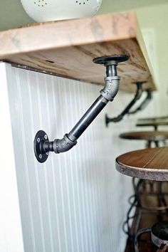 Use industrial pipes to hold up a wood bar! - Use industrial pipes to hold up a wood bar! Industrial House, Industrial Furniture, Industrial Style, Industrial Basement Bar, Kitchen Industrial, Vintage Industrial, Plumbing Pipe Furniture, Industrial Office, Industrial Windows