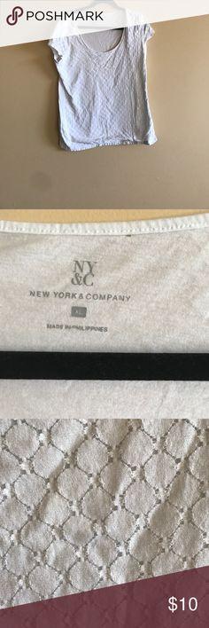 Short sleeve tshirt Great for layering . Pretty detail Tops Tees - Short Sleeve