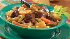 Easy Slow-Cooker Beef Stew Hearty dinner for four? Come home to this meat and potatoes special. Slow Cooker Soup, Slow Cooker Recipes, Cooking Recipes, Crockpot Meals, Beef Recipes, Slower Cooker, Jalapeno Recipes, Beef Meals, Yummy Recipes