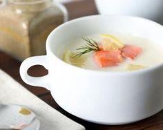 Velouté de poireaux Croq'Kilos au saumon et au citron : http://www.fourchette-et-bikini.fr/recettes/recettes-minceur/veloute-de-poireaux-croqkilos-au-saumon-et-au-citron.html