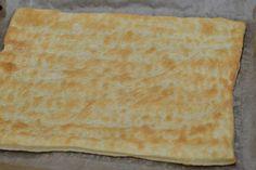 Mille-feuille (prajitura Napoleon) - CAIETUL CU RETETE Napoleon, Bread, Cakes, Ethnic Recipes, Food, Cake Makers, Brot, Kuchen, Essen
