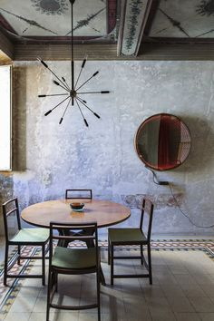 Rome's G-Rough Hotel: 20th Century Modernism in a 17th Century Building