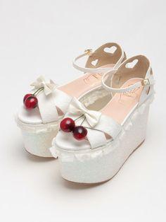 Amazing shoes lindo diseño ..solo con un poco menos de de la suela c: