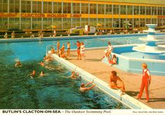 The John Hinde Studio produced a series of elaborately staged colourful photographs of Butlin's holiday camps that were made into postcards. Camping Europe, Camping Uk, Camping Life, Outdoor Swimming Pool, Swimming Pools, Butlins Holidays, British Holidays, California Beach Camping, Vintage Hotels