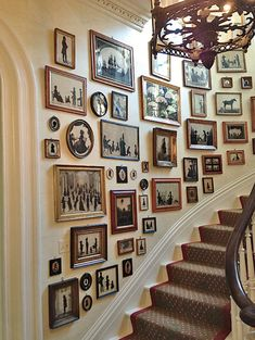 The Most Beautiful Foyers in Vogue-Photos A collection of silhouettes provides the decor in the stair hall of Charleston's Mikell House, home to Southern Charm's Patricia Altschul. Hall Decoration Ideas –Boxwood Eucalyptus CottonA beautiful addition to t Decoration Hall, Staircase Decoration, Stairway Decorating, Decorations, Stair Wall Decor, Decoration Pictures, Beautiful Decoration, Diy Wall, Home And Deco