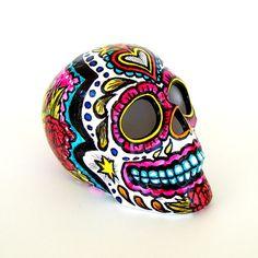 Keramik Sugar Skull Skulptur bemalt Tag der tot Red von sewZinski, $75.00