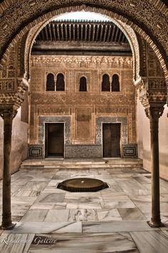 Patio del Mexuar - Islamic Architecture in Spain. By: Brad Randleman