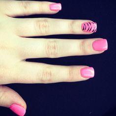 I think I may get my nails done like these. Sooo cute!