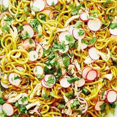 Got leftover chicken from last night? It's perfect to add to this simple sheet pan recipe with udon noodles and curried onions. Sicilian Recipes, Sicilian Food, Ricardo Recipe, Valeur Nutritive, Udon Noodles, Asian Recipes, Ethnic Recipes, Meat Chickens, Artisan Bread