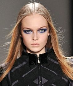 I just shared this Runway Looks, Fall / Winter Looks, Straight Hair Photo on Bloom. It's the largest beauty network where real women and beauty pros share visually-inspiring trends and the products they use to achieve them!