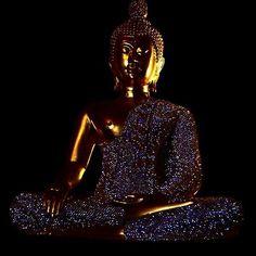 Buddha Bling: the shinier the better... #Thailand never ceases to amaze me  #millennials #globalnomad #travelswagger #wanderlust #yolo #instatravel #igtravel #fernweh #mytinyatlas #rtw #bucketlist #adventure #vacation  #voyage #instapassport #travel  #travelporn #travelgram #travelphotography  #traveltheworld #travelgrammers  #igtravel #adventurevisuals #bangkok #TravelAgent #doyoutravel #buddha #zen #wanderlustwednesday #bling