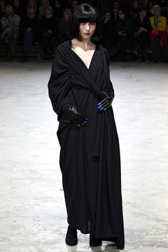 Yohji Yamamoto Fall 2013 Ready-to-Wear - Collection - Gallery - Style.com