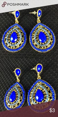 New Beautiful Blue and Gold Earrings 🌺 Bundle 3 or more items and Save 20% 🌺 Any questions let me know. 2718 Jewelry Earrings