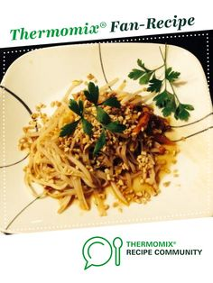 Awesome Pad Thai by A Thermomix ® recipe in the category Main dishes -… Pad Thai Thermomix, Vegetarian Recipes, Cooking Recipes, Recipe Community, Eating Plans, Other Recipes, Main Meals, Salad Recipes, Recipes