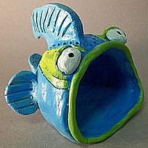Classes for Children - Art Est Art School and Gallery - Keramik Clay Projects For Kids, Kids Clay, Clay Pinch Pots, Clay Fish, Pottery Classes, Ceramics Projects, Art Lessons Elementary, Art Plastique, Clay Creations