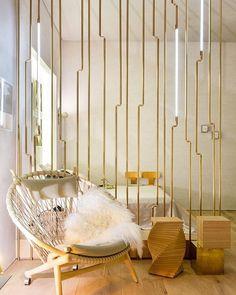 super Ideas for modern screen partition space dividers Wall Cladding Designs, Room Partition Designs, Gold Interior, Interior Design, Design Room, Room Deviders, Partition Screen, Partition Walls, Divider Screen