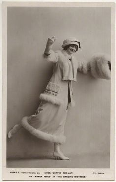 British musical comedy actress Gertie Millar in the Dancing Mistress, dressed by Margaine-Lacroix. 20s Fashion, Fashion History, Fashion Photo, Vintage Fashion, Adelphi Theatre, As Nancy, National Portrait Gallery, Real Beauty, Vintage Textiles