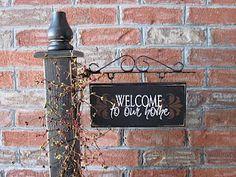 Seasonal post - welcome and seasonal interchangeable signs