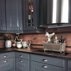 Ny uke- mange muligheter Påsken er over for denne gang, og nå kommer våren #cabinlife #interior123 #kitchen #sigdalkjøkken #hytteinteriør #hytteinspirasjon #kjøkken#hyttekjøkken #cottage#vakrehjemoginteriør #vakrehytteroglandsteder