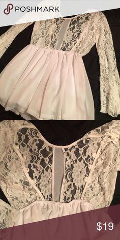 Sexy Sexy white dress!!! Oooo la lahh!! White Vback mini dress. Lacey top and tres chic!! Dresses Mini