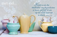 Koop is om die melodie van die toekoms Afrikaanse Quotes, Quotes And Notes, Printable Quotes, Daily Affirmations, Note To Self, Christian Quotes, Pillar Candles, Things To Think About, Prayers