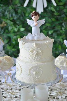 Bolo de batizado no tema anjos